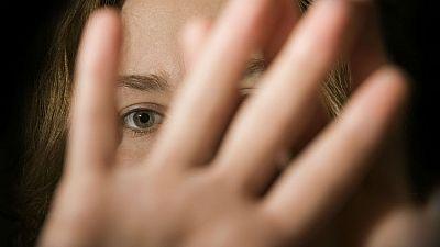 Boletines RNE - Las mujeres maltratadas ya no tendrán que presentar denuncia para recibir ayudas - escuchar ahora