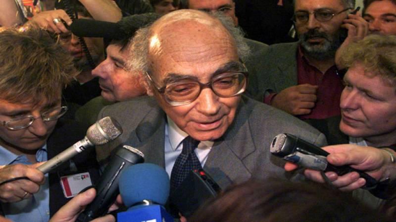 25 Años de Radio 5 - Saramago logra el primer Nobel en portugués - Escuchar ahora