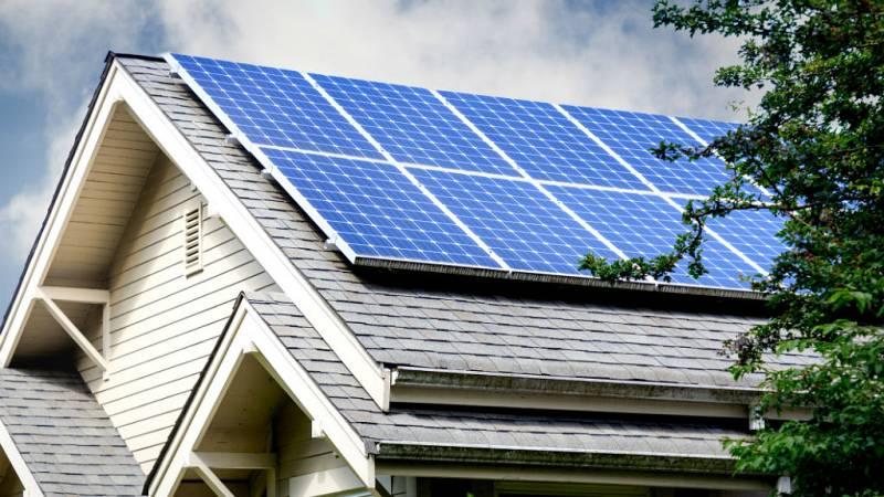 14 horas - Las nuevas reglas de autoconsumo con energía solar - escuchar ahora