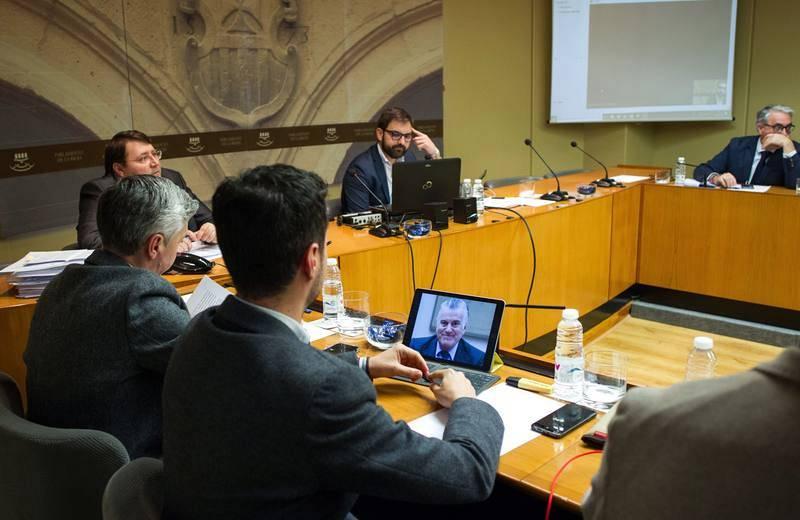 14 horas - Aumenta la preocupación por la corrupción, la crisis con Cataluña y la violencia de genero - escuchar ahora