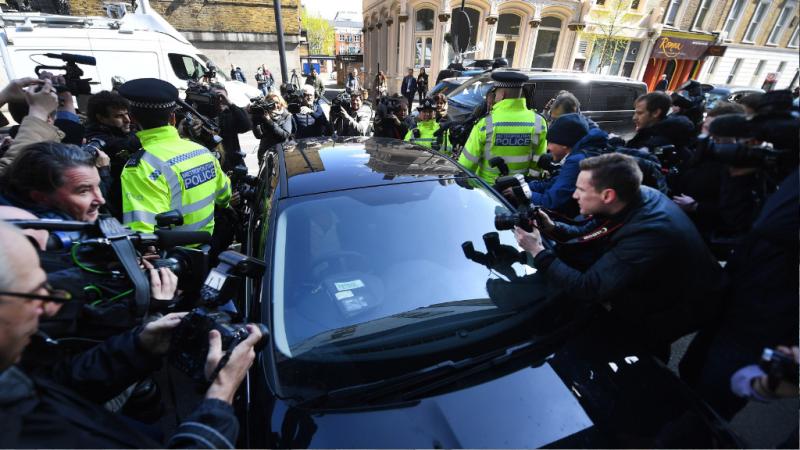 14 horas - ¿Quién es Julian Assange? - Escuchar ahora