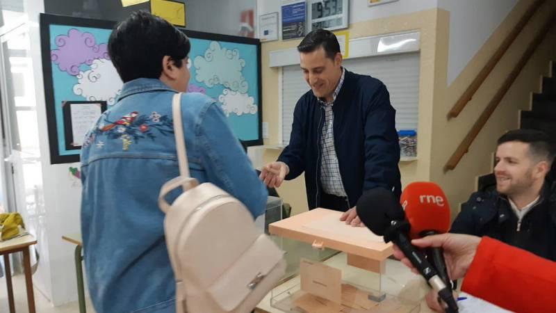 Boletines RNE - Más de cien mil personas con discapacidad intelectual votan por primera vez - Escuchar ahora