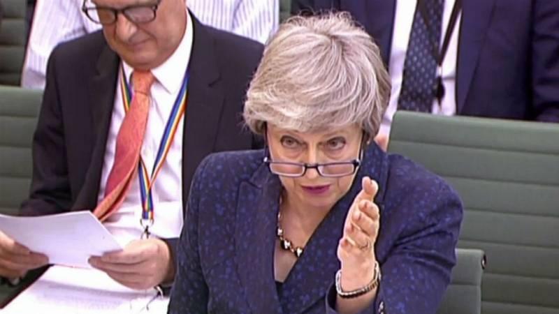 14 horas - Los votantes castigan a conservadores y laboristas en las elecciones locales en Inglaterra - Escuchar ahora