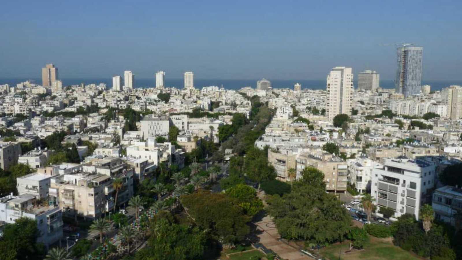 El gallo que no cesa - Tierra sin límites: Tel Aviv - Escuchar ahora
