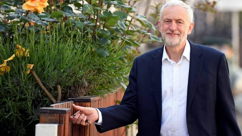 Boletines RNE - Los laboristas no negociarán con May un acuerdo sobre el brexit - Escuchar ahora