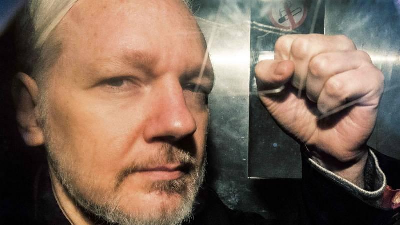 Las mañanas de RNE con Íñigo Alfonso - Assange acumula nuevos cargos que podrían costarle 170 años de cárcel - Escuchar ahora