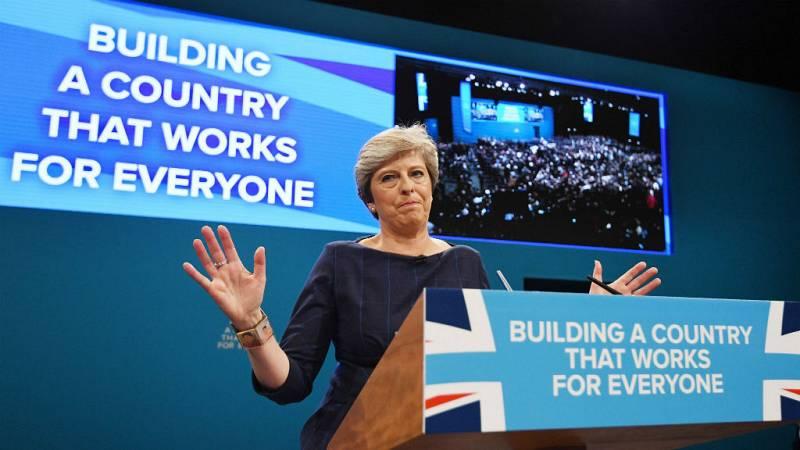 14 horas - Theresa May, una primera ministra fagocitada por el Brexit - Escuchar ahora