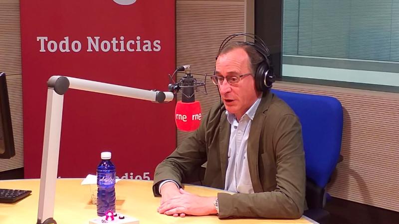 """Las mañanas de RNE con Íñigo Alfonso - Alfonso Alonso dice que Casado tiene que """"hacer liderazgo desde la humildad"""" - Escuchar ahora"""