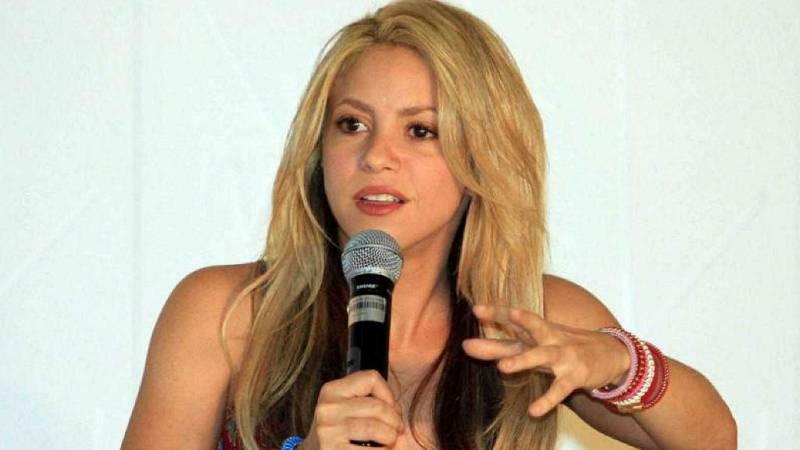 Boletines RNE - Shakira se defiende ante el juez del fraude fiscal que se le atribuye - Escuchar ahora