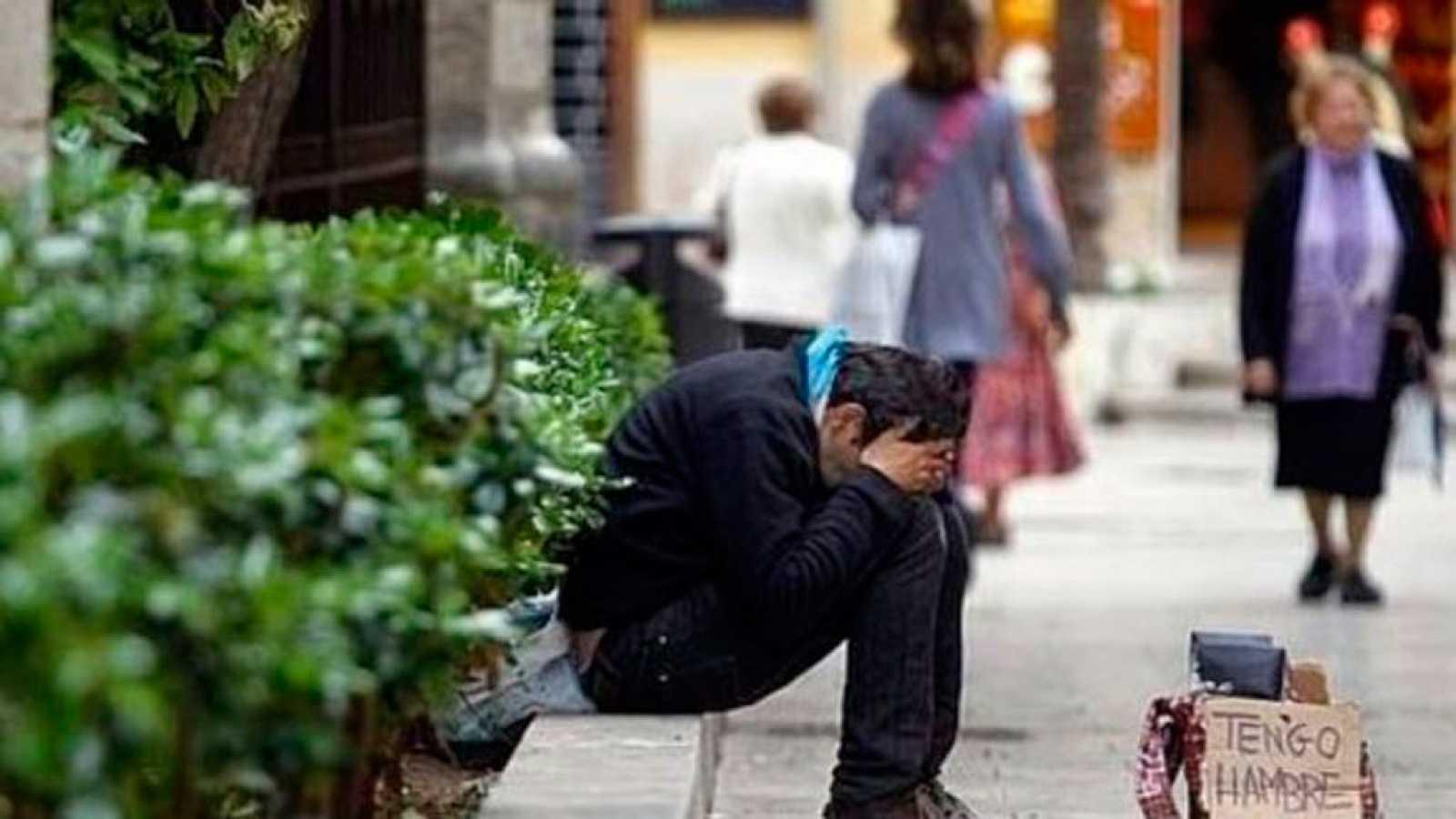 Las mañanas de RNE con Íñigo Alfonso - Un informe analiza cómo salimos de la crisis en términos de pobreza y exclusión social - Escuchar ahora