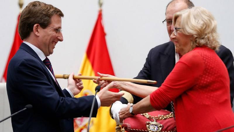 14 horas fin de semana - El popular José Luis Martínez Almeida desoloja a Manuela Carmena del Ayuntamiento de Madrid - Escuchar ahora
