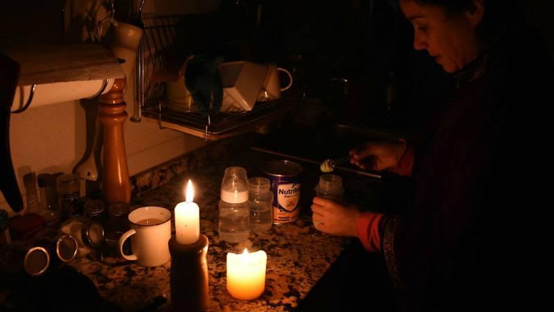 """14 horas fin de semana - Comienza a recuperarse """"lentamente"""" el sistema eléctrico en Argentina - Escuchar ahora"""