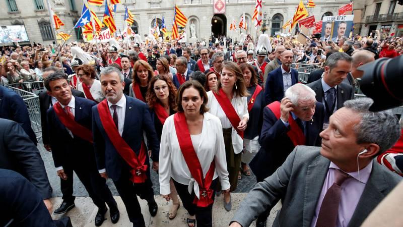 14 horas fin de semana - Primera fricción en el ayuntamiento de Barcelona por el lazo amarillo - Escuchar ahora