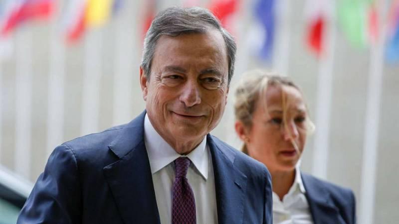 14 horas - El BCE estudia poner en marcha estímulos y bajar los tipos de interés - esuchar ahora