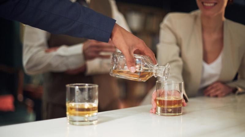 14 horas - Proyecto Hombre | Ellas más alcohol, ellos más cocaína - Escuchar ahora