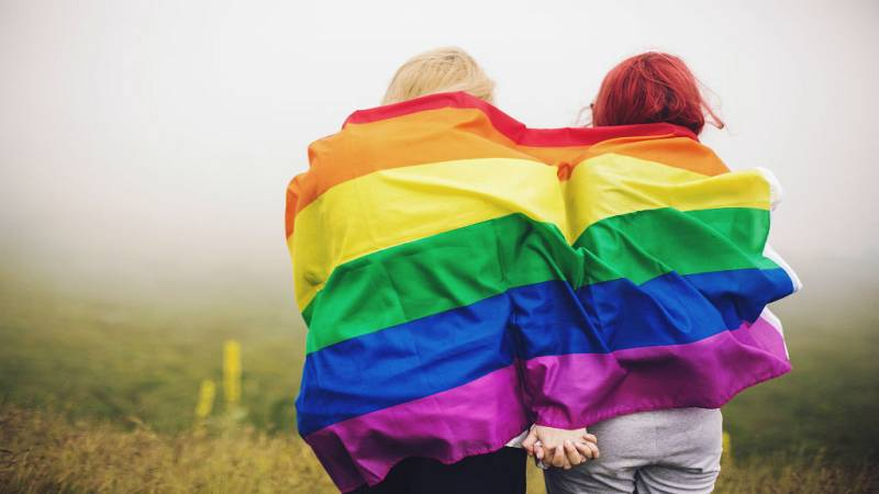 Dos generaciones de lesbianas que han vivido épocas distintas - Escuchar ahora