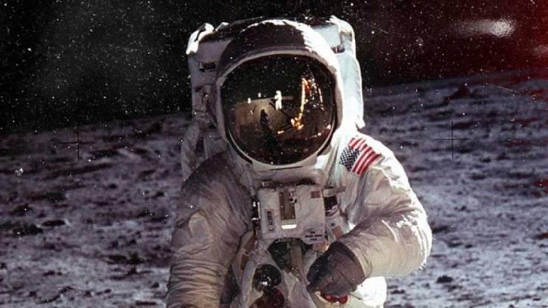 Tierra sin límites: turismo lunar - Escuchar ahora