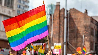 14 horas - Podemos denuncia a Vox ante la Fiscalía por un delito de odio contra el colectivo LGTBI - escuchar ahora