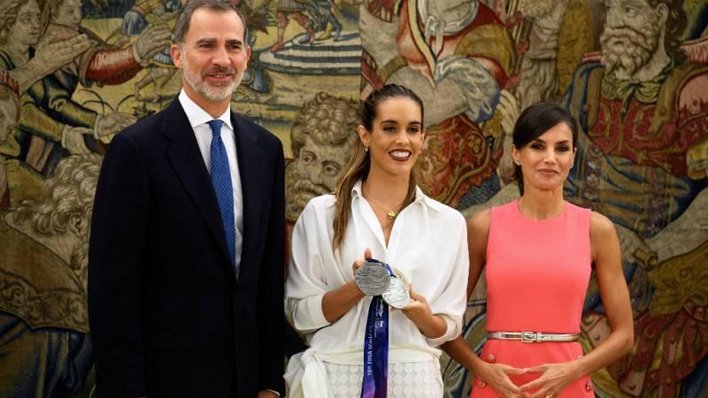 Boletines RNE - Los reyes reciben a Ona Carbonell tras su récord de medallas - Escuchar ahora