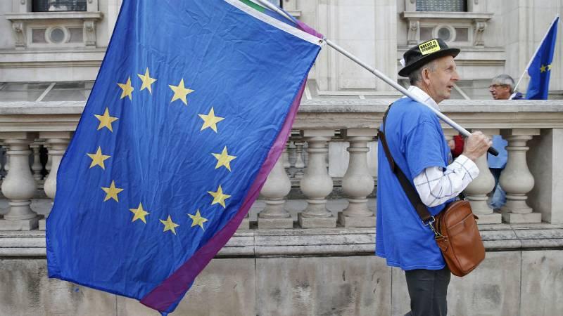 """24 horas - """"El Reino Unido se asoma a un precipicio"""" - Escuchar ahora"""