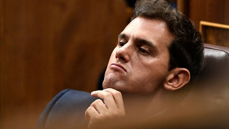"""14 horas - Albert Rivera: """"España no se merece un presidente como usted"""" - escuchar ahora"""