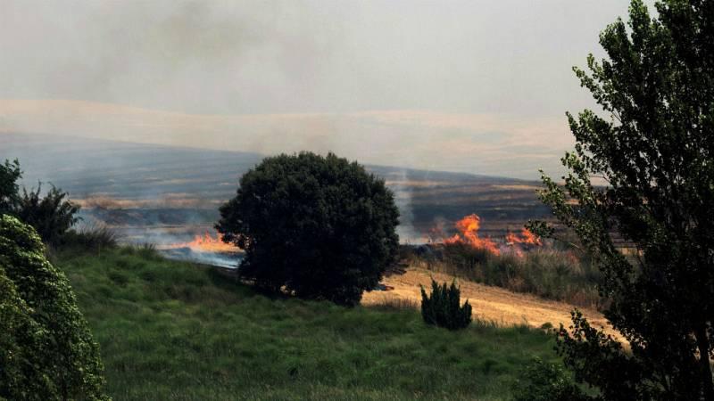 Boletines RNE - 200 efectivos tratan de extinguir el fuego de Barchín del Hoyo, Cuenca - Escuchar ahora