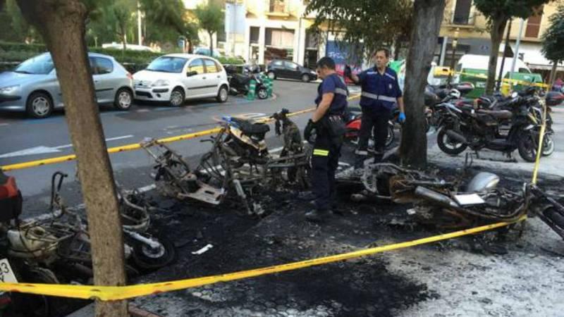Un detenido tras el incendio de varias motos en el País Vasco - Escuchar ahora