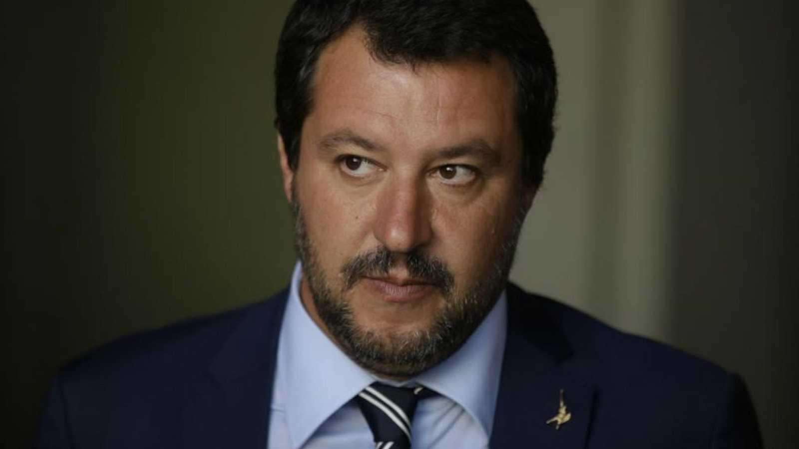 14 horas - La ley antiinmigración de Salvini: Multas de hasta 1 millón - escuchar ahora