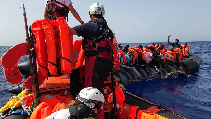 14 horas fin de semana - El Ocean Viking y el Open Arms siguen esperando un puerto seguro y sin respuesta de los países europeos - Escuchar ahora