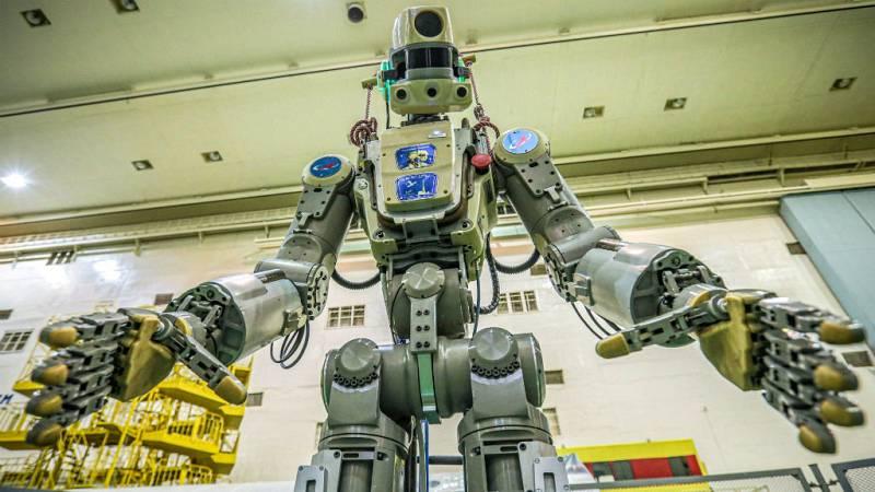 Las mañanas de RNE con Íñigo Alfonso - Acoplamiento confirmado de la nave Soyuz con el androide Fedor a la EEI - Escuchar ahora