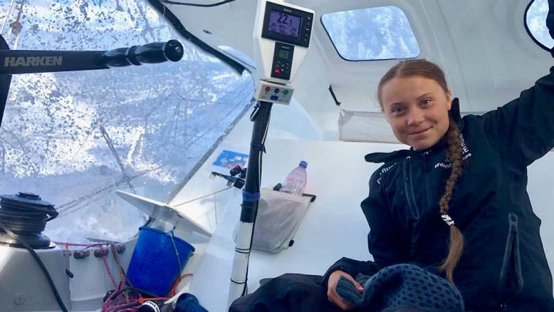 Boletines RNE - Greta Thunberg llega a Nueva York en barco tras rechazar viajar en avión - Escuchar ahora