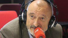 "Las mañanas de RNE con Pepa Fernández - Arturo Pérez-Reverte: ""La guerra es ajedrez"""