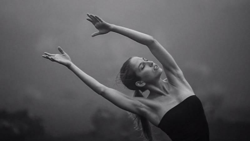 Artesfera - La bailarina y actriz canaria Paula Quintana nos presenta su último montaje, 'Las alegrías' - escuchar ahora