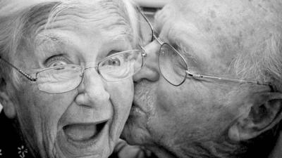Las cuñas de RNE - Nuestros mayores: una edad para todo