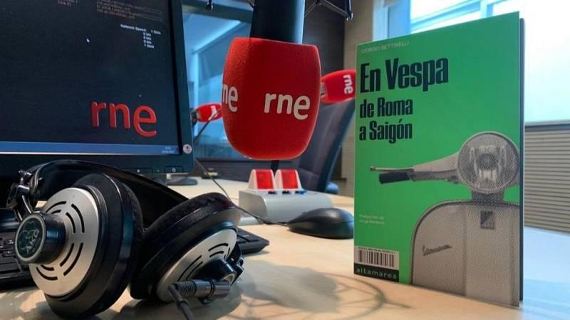 Oxiana - Giorgio Bettinelli | En Vespa de Roma a Saigón - Escuchar ahora