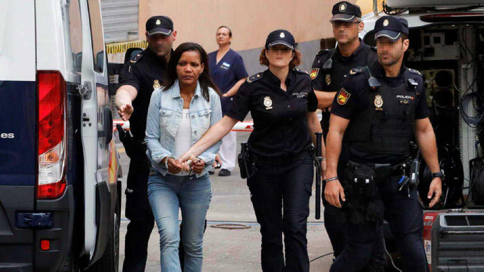 Boletines RNE - Ana Julia Quezada, condenada a prisión permanente revisable por el asesinato del niño Gabriel - Escuchar ahora