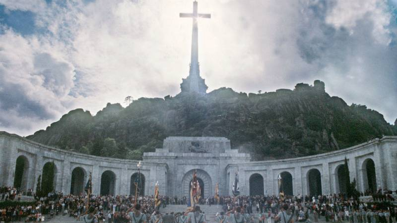 Las mañanas de RNE con Íñigo Alfonso - El entierro de Franco en el Valle de los Caídos - Escuchar ahora