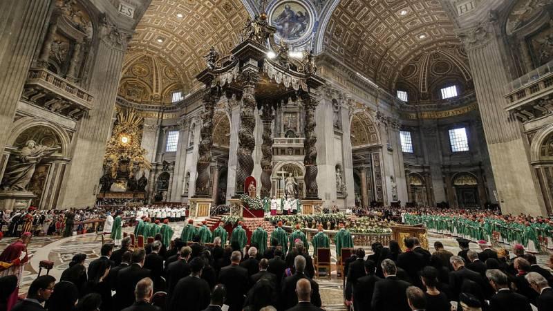 El papa denunció en misa del Sínodo los incendios por intereses en Amazonía - Escuchar ahora