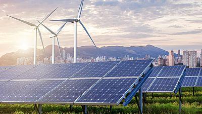 14 Horas Fin de Semana - España en funciones: las renovables temen el bloqueo político - Escuchar ahora