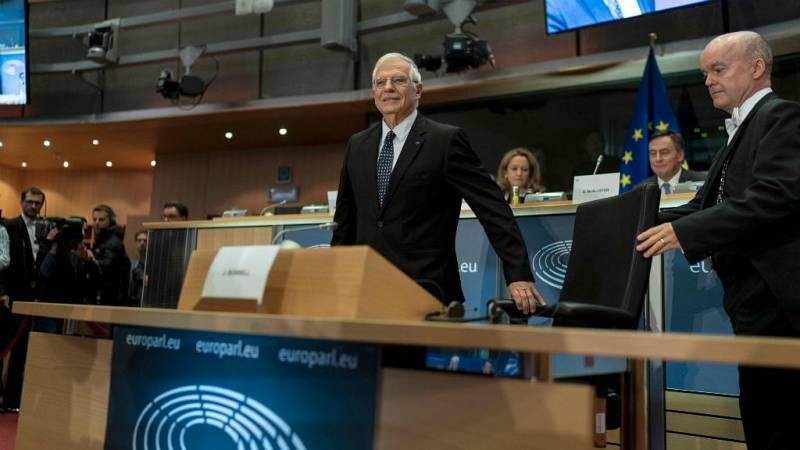 Boletines RNE - Borrell niega en el Parlamento Europeo que usara información privilegiada al vender acciones de Abengoa - Escuchar ahora