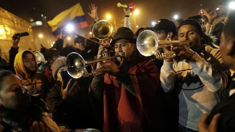 Las mañanas de RNE con ïñigo Alfonso - Ecuador celebra la retirada de los subsidios a los carburantes - Escuchar ahora