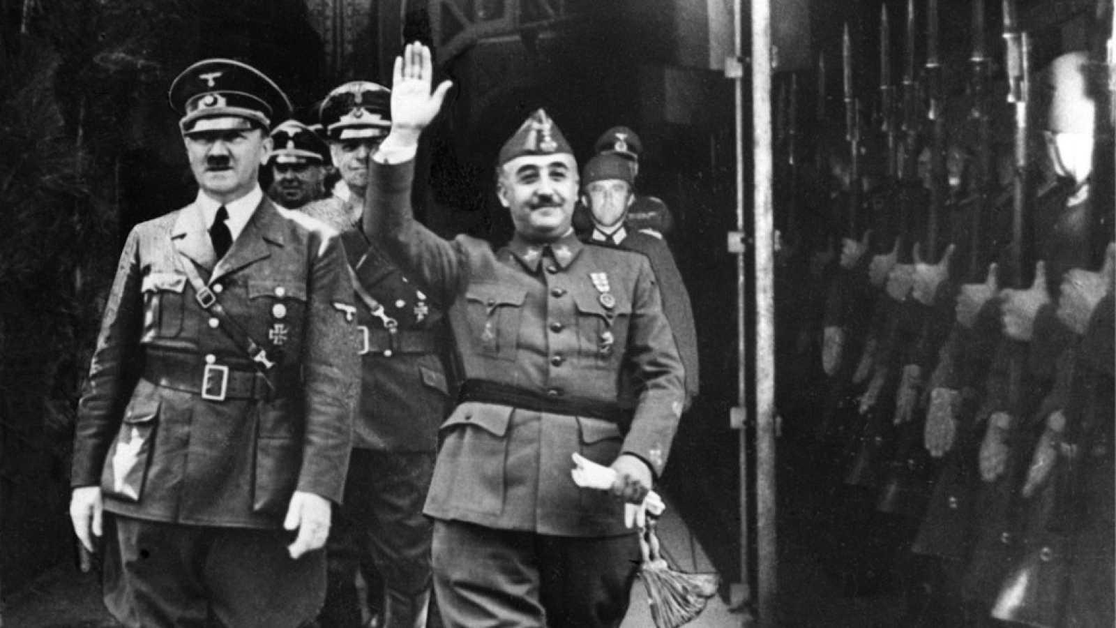 Reportajes 5 Continentes - ¿Donde están enterrados los dictatores en el mundo? - Escuchar ahora