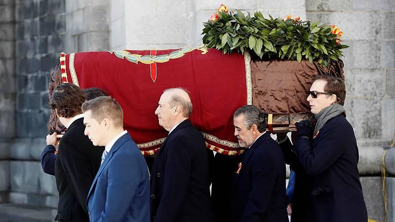 14 horas - Así ha sido la salida del féretro con los restos de Franco del Valle de los Caídos - Escuchar ahora