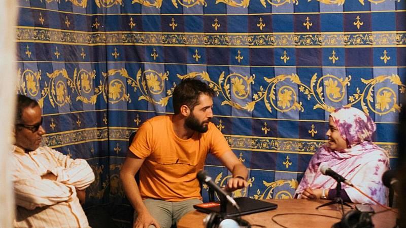 Las mañanas de RNE con Iñigo Alfonso - Un micro para el Sáhara   Cuando la radio habla de la radio - escuchar ahora