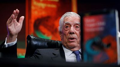 """Las mañanas de RNE con Pepa Fernández - Mario Vargas Llosa: """"Las imágenes que crea la literatura valiéndose de la historia a veces prevalecen más que la propia historia"""" - Escuchar ahora"""