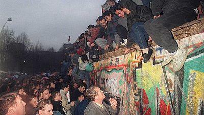 Documentos RNE - Berlín, 30 años sin el muro, los costes de la reunificación alemana - 01/11/19 - escuchar ahora