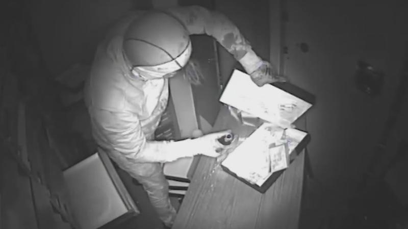 Detenidos siete butroneros por robar más de dos millones en joyas - Escuchar ahora