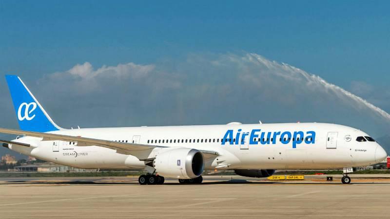 """Todo noticias mañana - OCU: """"La compra de Air Europa por IAG no es una buena noticia para los consumidores"""" - Escuchar ahora"""