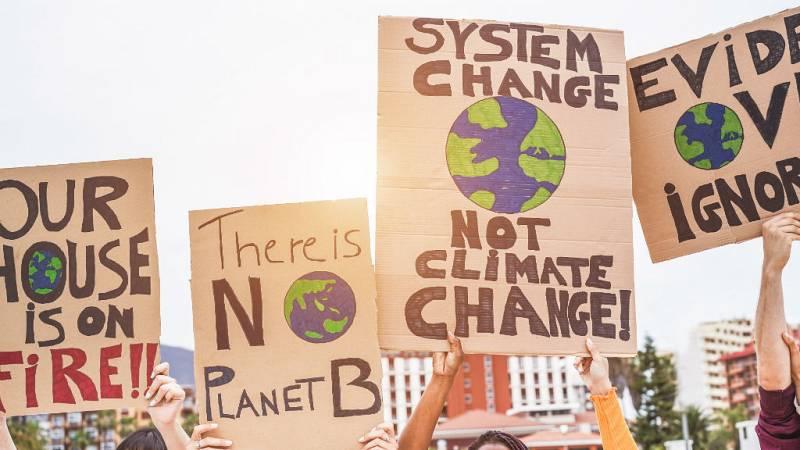 Las mañanas de RNE con Íñigo Alfonso - 11.000 científicos alertan de las devastadoras consecuencias del cambio climático  - Escuchar ahora