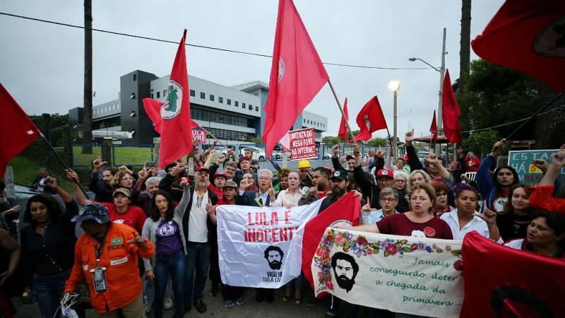 Crónica internacional - Lula podría salir en breve de la cárcel - Escuchar ahora